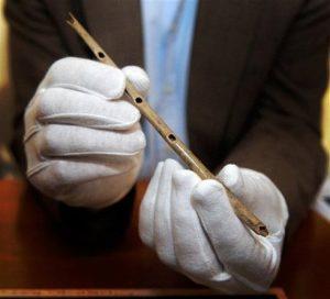 como surgiram os instrumentos musicais: Flauta ancestral