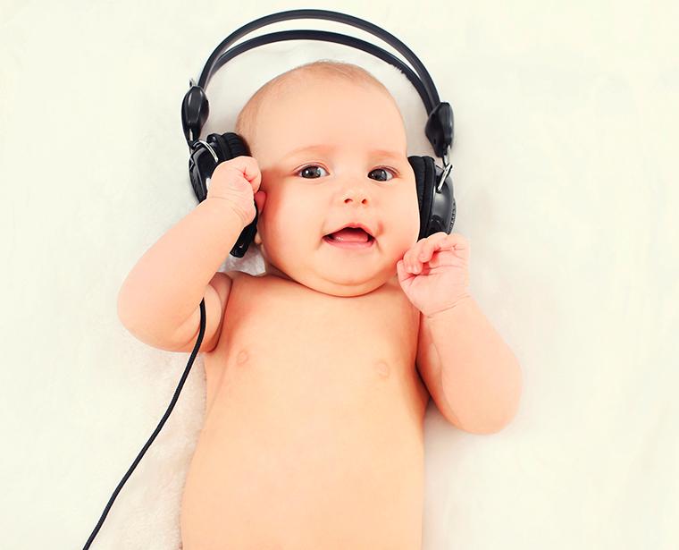 Música traz benefícios para o cérebro das crianças