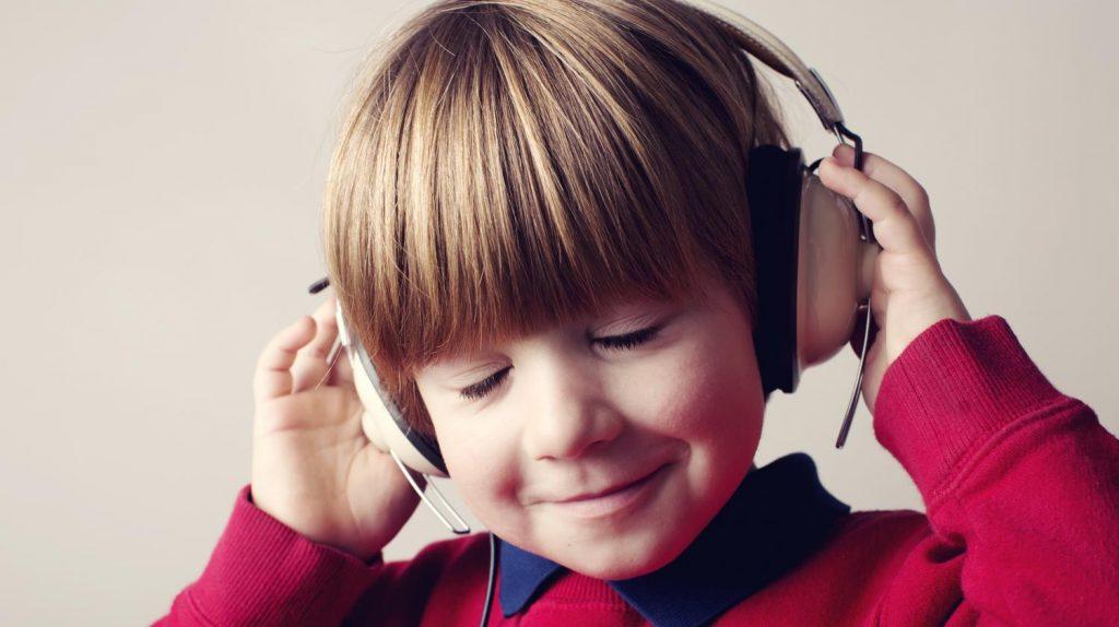 Ter aulas de música desde criança traz impactos positivos no futuro